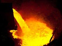 Metallo liquido dall'altoforno Fotografie Stock