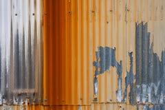 Metallo ondulato di lerciume arrugginito fotografia stock libera da diritti