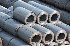 Metallo-rotolo d'acciaio impilato Fotografie Stock