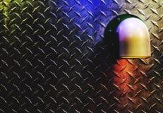 Metalloberfläche als Hintergrundwand-Beschaffenheitsmuster mit geführtem Rohrlicht lizenzfreie stockbilder