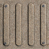 Metallplatten mit Schrauben Stockfoto