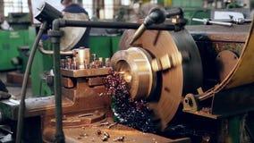 Metallprodukt-Verarbeitungsfabrik stock video