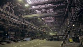 Metallproduktionfabrik, stålväxt inom stock video