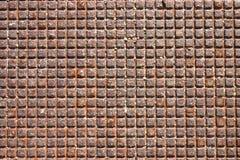 Metallrasterfeld von einer Einsteigelochabdeckung Stockbilder