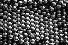 Metallriemenb?lle vereinbart in den Reihen, B?lle f?r Lager stockfotografie