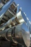 Metallrohre der metallurgischen Anlage Stockbilder