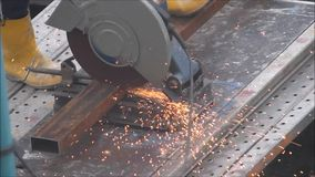 Metallschneidend stock video