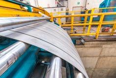Metallskäraremaskin för stålspolar Arkivfoton