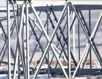 Metallstruktur i det insnöat vintern Royaltyfri Fotografi