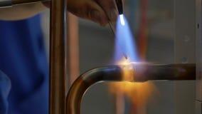 Metallsvetsning i fabrik lager videofilmer