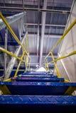 Metalltrappuppgång, industriell abstrakt inre Royaltyfria Foton
