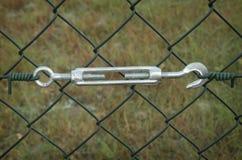 Metallturnbuckles som fäster Royaltyfri Fotografi