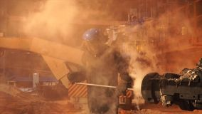 Metallurgical växt, varm metallrollbesättning Ramma för maskintaphole metallurgical utrustning royaltyfri fotografi