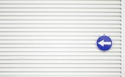 Metallwandzeichen Stockfoto