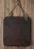Metallwanne und Weinlesegabel Stockfoto