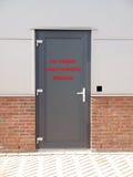 Metalu drzwi z tekstem Zdjęcia Stock