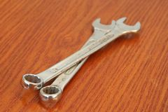 Metalu klucza narzędzie 3d ilustracja odizolowywał narzędziowego wyrwanie Chrom robić metalu narzędzie obrazy stock