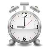 Metalu machinalny realistyczny budzik, zegar pokazuje dziewięć wieczór, dziewięć w ranku, wieczór, ranek Zdjęcia Stock