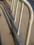 Metalu parking stojaka Rowerowa budowa Obrazy Stock