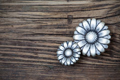 Metalu rocznika guziki w kwiatu wizerunku Fotografia Royalty Free