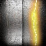 Metalu tło z elektryczną błyskawicą Zdjęcia Stock
