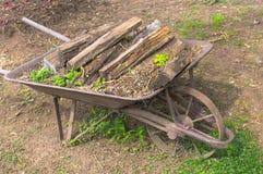 Metalu Wheelbarrow Obraz Royalty Free