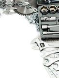 metalwork Boxas, sågen, skruvnyckeln och andra hjälpmedel på arkivfoton