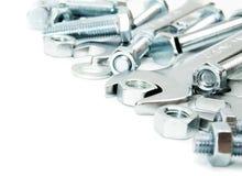 metalwork Dispositivo bonde do metal, chave inglesa em um branco foto de stock