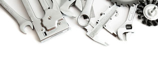 metalwork Grampeador, serra, chave e outro ferramentas imagem de stock royalty free