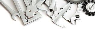 metalwork Häftapparat, såg, skiftnyckel och andra hjälpmedel royaltyfri bild