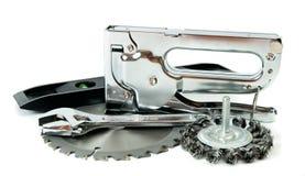 metalwork Scie, clé et d'autres outils sur le blanc photo stock