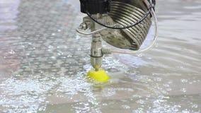 Metalworking przemysł metalu rozcięcie z wysokość naciska wodnym strumieniem zbiory wideo