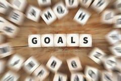Metas de la meta que fijan los dados futuros de la nueva estrategia de las aspiraciones del éxito foto de archivo libre de regalías