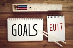 2017 metas en el fondo de papel del cuaderno Imágenes de archivo libres de regalías
