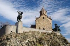Metekhi-Kirche und König Vakhtang Gorgasali, Tiflis, Georgia Stockfotos