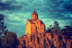 Metekhi kyrka i Tbilisi, Georgia Arkivfoto