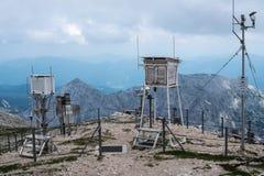 Meteo stacja w górach, Triglav park narodowy - Juliański A Zdjęcia Stock