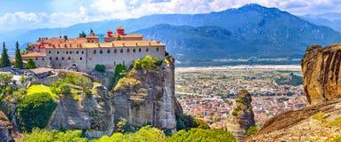 Meteora kloster, Grekland Kalambaka UNESCOvärldsarvet sitter arkivbild