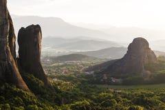 Meteora-Klostertal im Sonnenuntergang in Griechenland Lizenzfreies Stockbild