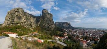 Meteora-Panorama lizenzfreies stockbild