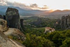 Meteora-Sonnenunterganglandschaft Griechenland Lizenzfreie Stockfotos