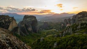 Meteora-Sonnenunterganglandschaft Griechenland Stockfoto