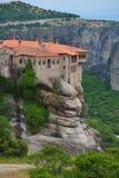 Meteoraen - viktiga steniga kloster som är komplexa i Grekland Arkivbilder