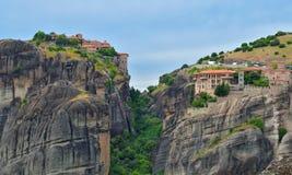 Meteoraen - viktiga steniga kloster som är komplexa i Grekland Arkivfoto