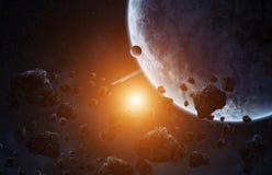 Meteoriteneinschlag auf einem Planeten im Raum Stockfotografie