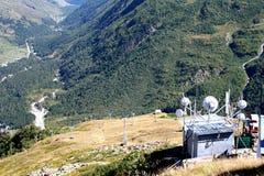 Meteorologisk station på berget Tcheget Arkivbilder