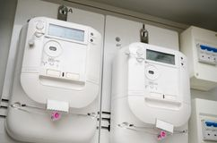 Meter der elektrischen Energie Paare der elektrischen Einheiten Lizenzfreie Stockfotografie