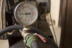Meter för luftkompressor Fotografering för Bildbyråer