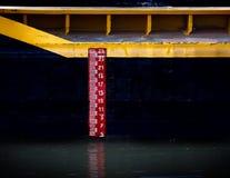 Meter för vattennivå Fotografering för Bildbyråer