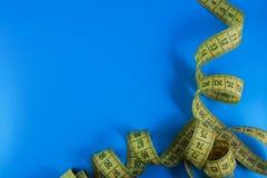 Meter für Diät und Taille und Frauen stockbilder